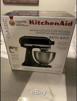 KitchenAid K45SSOB Classic 4.5 Quart Tilt Head Stand Mixer Onyx Black BRAND NEW