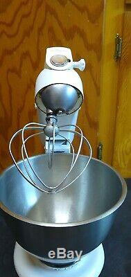 KitchenAid White Vintage Stand Mixer Model 4C Hobart 4-C with Beater Metal Bowl